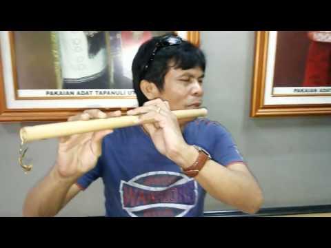 Aksi Maestro Seruling Batak Membawakan Lagu Butet - Korem Sihombing