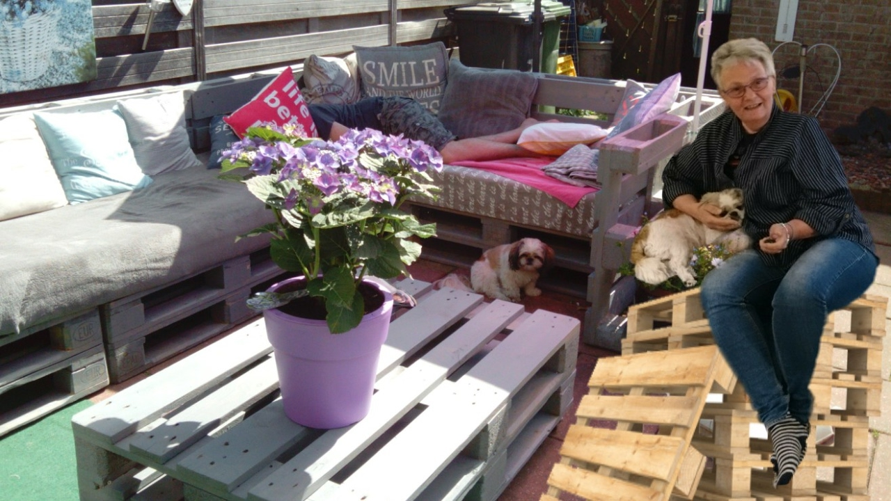 Diy Budget Loungebank : Loungebank van euro pallets how to make a sofa from pallets youtube