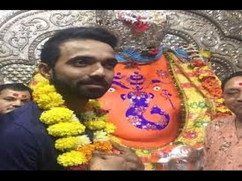 Ajinkya Rahane Offers Prayer at Ganesh Temple in Khajrana