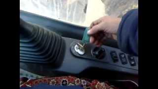 экскаватор komatsu ps 200 в кабине управление(якутская область., 2012-11-30T10:46:34.000Z)