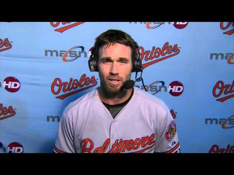 """J.J. Hardy tells the """"O's Xtra"""" crew how impressed he is with Jonathan Schoop"""