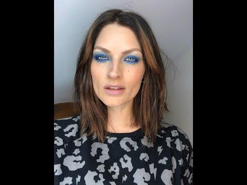 Retro Gradient Blue Eye Makeup Tutorial | Real Techniques