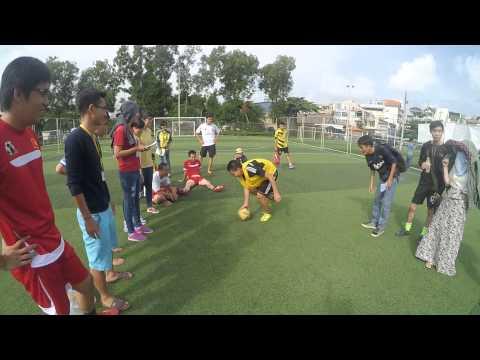 [TnBs League] Trò chơi quay vòng và sút bóng