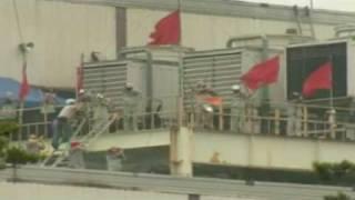 Operai sud-coreani asserragliati e armati in fabbrica