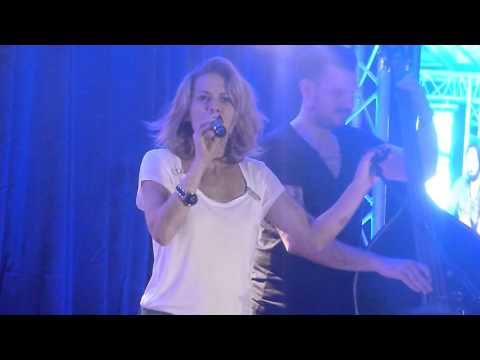 Get back to gold - Bethany Joy Lenz (live in Paris 27.09.2015) FWTP3
