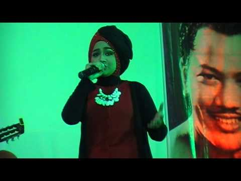 Clip Song : Engkau Laksana Bulan by : HAIFA AZZURRA