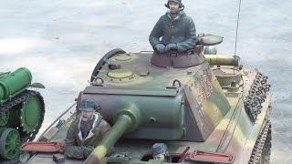 Радиоуправляемые танки соревновались в Одессе.(, 2015-09-06T06:32:20.000Z)