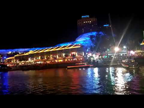 Clark quay in the night
