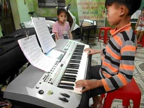 Ngay xuan vui cuoi - hs Thanh Tung - Huy Thanh Music.mp4