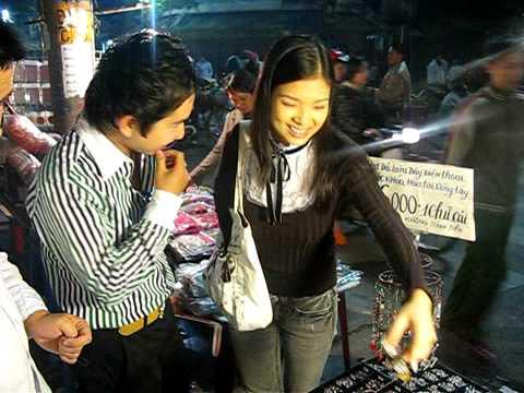BANG CUONG PHAM THANH THAO DI CHO DEM HA NOI