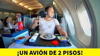 PRIMERA CLASE en un AVIÓN DE 2 PISOS! 😱 | Alex Tienda ✈️ 747-KLM