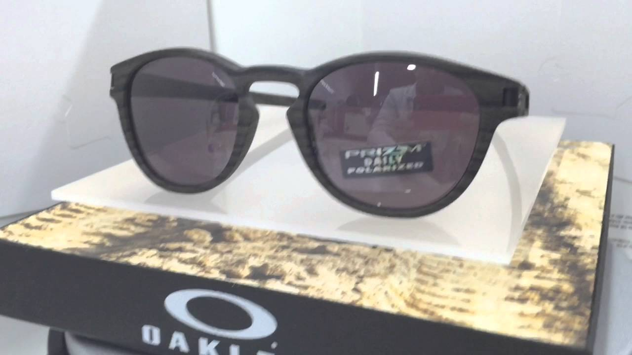01d5318bce Oakley LATCH 9265-12 - YouTube