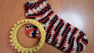 ROUND LOOM KNIT SOCKS TUTORIAL