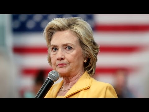 Hillary Clinton Vows To Defend Fracking, Fluffs Bankers' Pillow