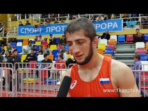 Во Дворце спорта и молодежи в Каспийске завершился 49 Международный турнир по вольной борьбе памяти Али Алиева