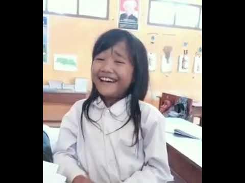 Viral !!!! Suara anaknya ,Oleh -oleh Rita Sugiarto dibawakan anak SD