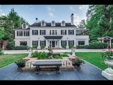 The Historic Hobbs Mansion in Hendersonville, North Carolina