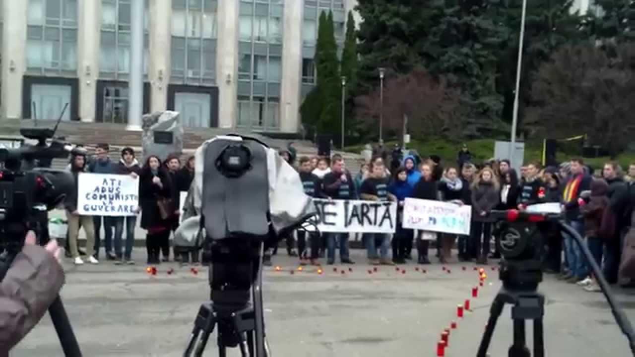 Așa au fost pomenite victimele din #Aprilie2009 în #PMAN