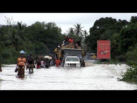 Heavy rains cut off Liberia's main airport