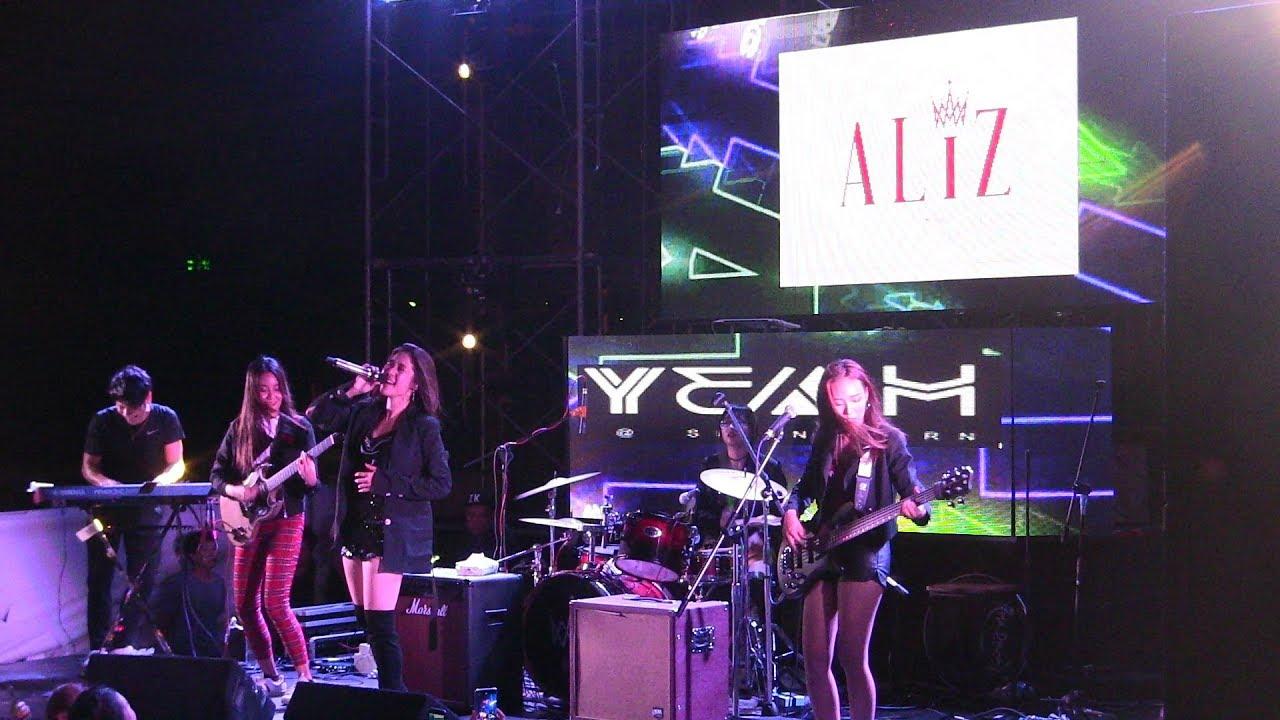 มินิคอนเสิร์ต เปิดตัว 4 สาว ALIZBAND - #Leenam #ALIZband  #LOST  #MuzikMoveRecords