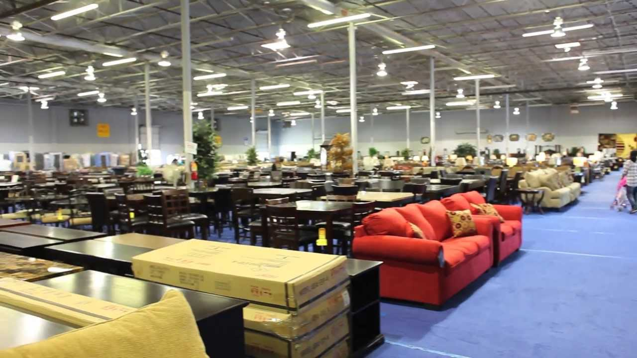 Huge furniture store in dallas american furniture mart for Furniture warehouse