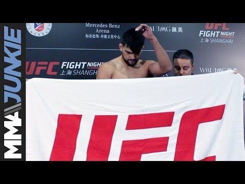Did Kelvin Gastelum give it the ol' towel try at UFC-Shanghai?