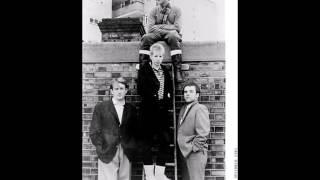 Gang Of Four ''I Love A Man In A Uniform (Dub Version)''