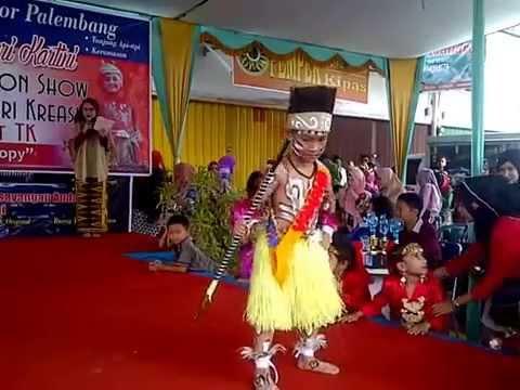M Afgansyah Firdaus  Fashow Pakaian Adat Papua  YouTube