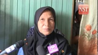 Muhyiddin visit villagers at Kampung Pantai Tujoh