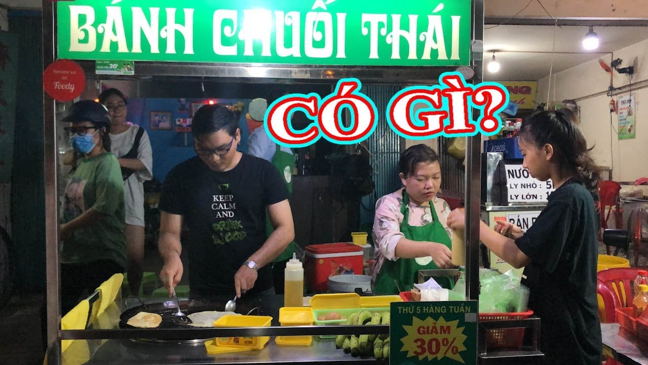 Khách xếp hàng ăn bánh chuối Thái Lan của anh trai lạnh lùng, ít nói chuyện