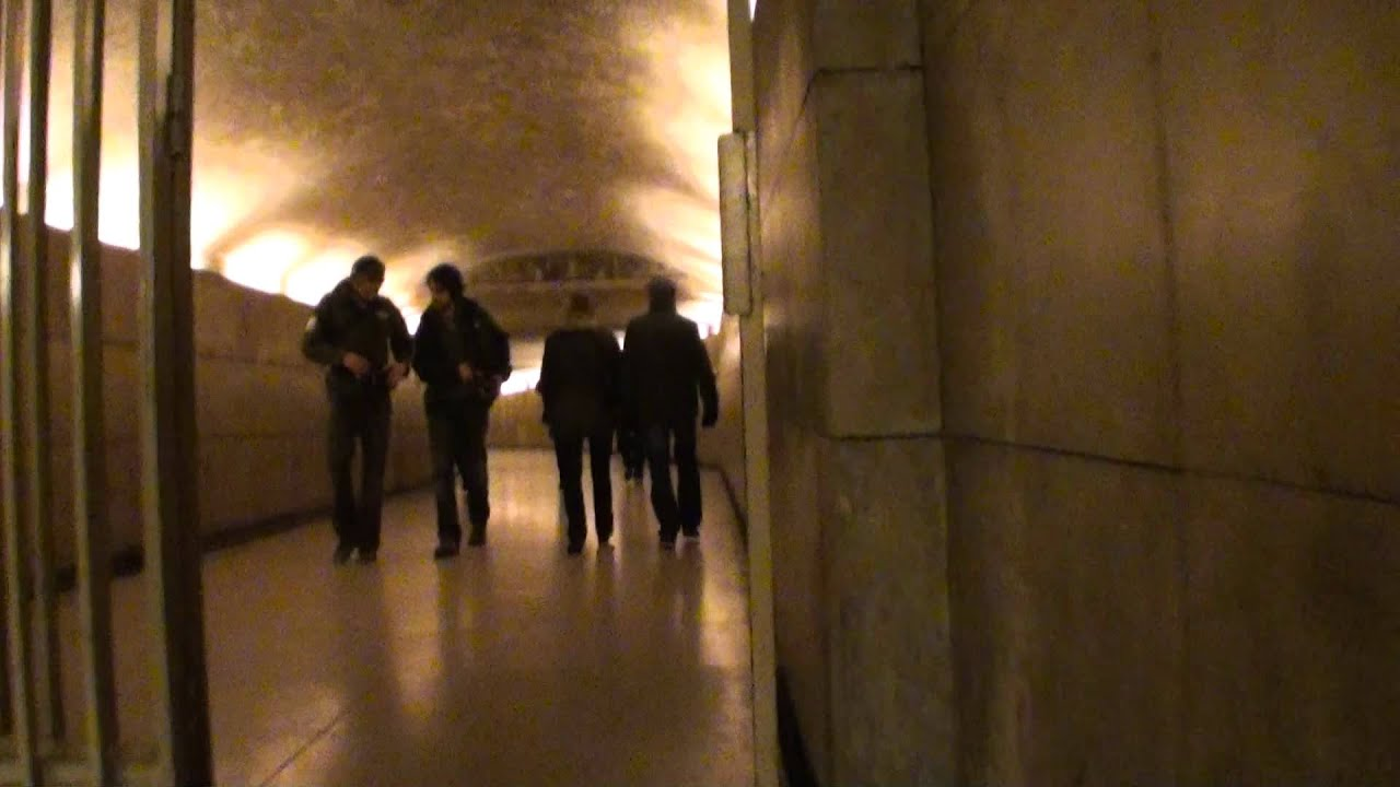 Paris-Arc De Triomphe-Passage Souterrain