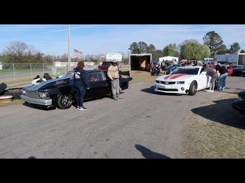 RUN what YA BRUNG!!! Cowmaro vs Racecars