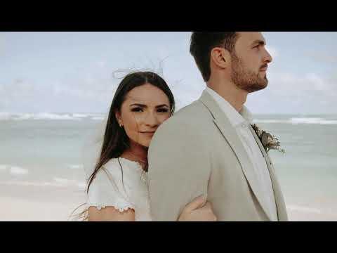 Beautiful & Intimate Destination Wedding | Jake + Jaklin | Hawaii Destination Wedding