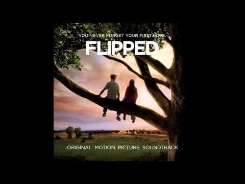 FLIPPED (Jovenes Enamorados) soundtrack - 01 - Pretty Little Angel Eyes - Curtis Lee