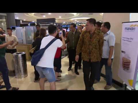 Jokowi Blusukan Di Mal Balikpapan