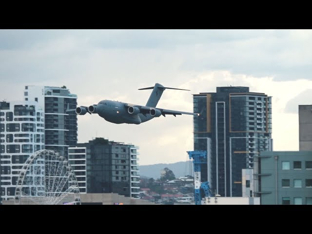 RAAF C-17 Globemaster + Roulettes | Brisbane Riverfire 2018 Flying Displays