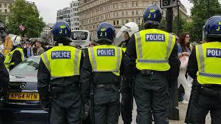 Police tactics at Robinson demo.