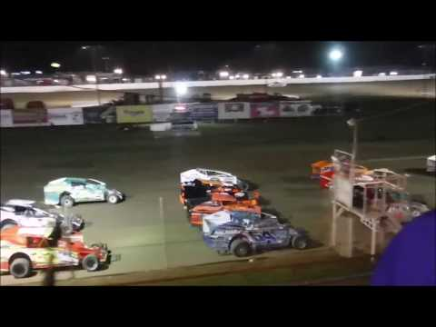50 Laps, $2000 to win. - dirt track racing video image