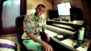 """Stromae - Leçon N°16 """"Bienvenue chez moi"""""""