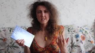 """Anna Striganova prezentas la libron de Mikaelo Bronŝtejn en Esperanto (eldonejo """"Impeto"""")"""