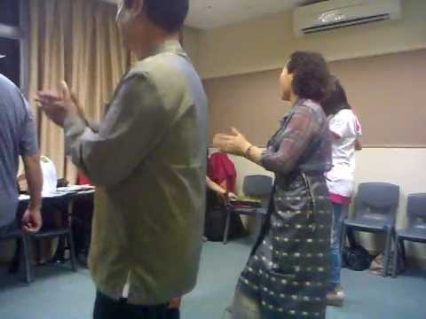 莊文才~柬埔寨集體舞.mp4