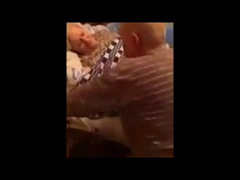 Школьница устроила трансляцию издевательств над своим дедушкой в Перископе
