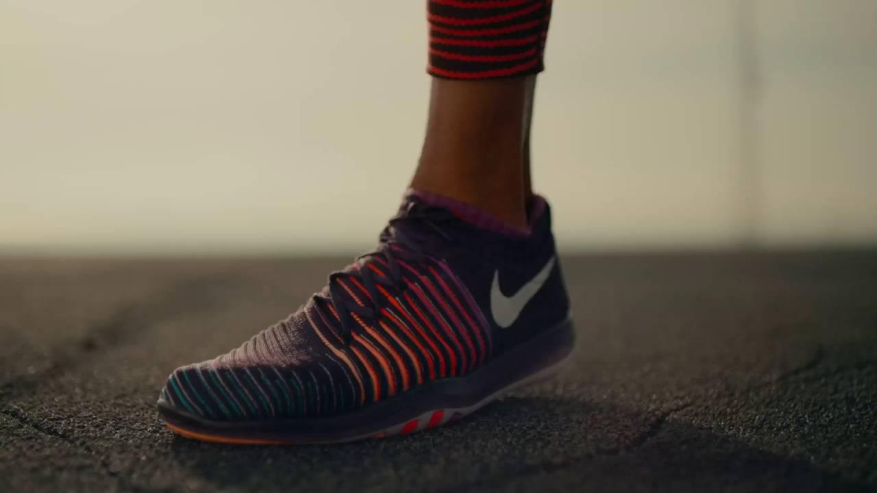 3e55c98859230 Allyson Felix en zapatillas para entrenar Nike Free Transform ...