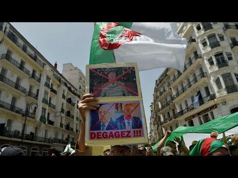 الجزائريون يواصلون الحراك الشعبي وسط توقيفات واعتقالات لمسؤولين ورجال أعمال كبار  - 11:54-2019 / 6 / 17