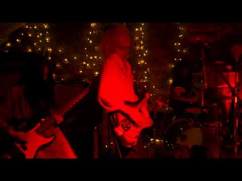 QUJAKU live (1/2) Mp3
