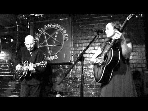 Rachel Harrington & Rod Clements : live at the Slaughtered Lamb 9 August 2010