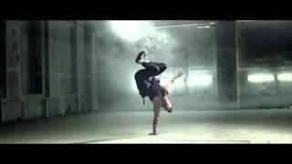 Смотреть клип Xenia Ghali Ft. Wyclef Jean - Get Dirty