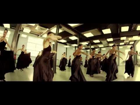 Descemer Bueno ft. Gente de Zona: Bailando
