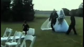 FUNNY WEDDING FAILS 1