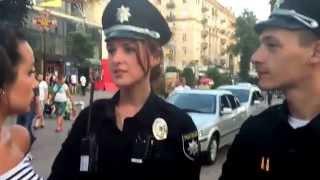 Как украинские девушки из Полиции делают Селфи в Instagram?